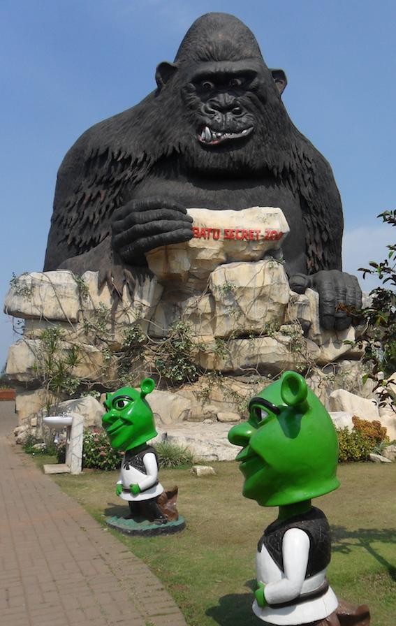 batu secret zoo 28