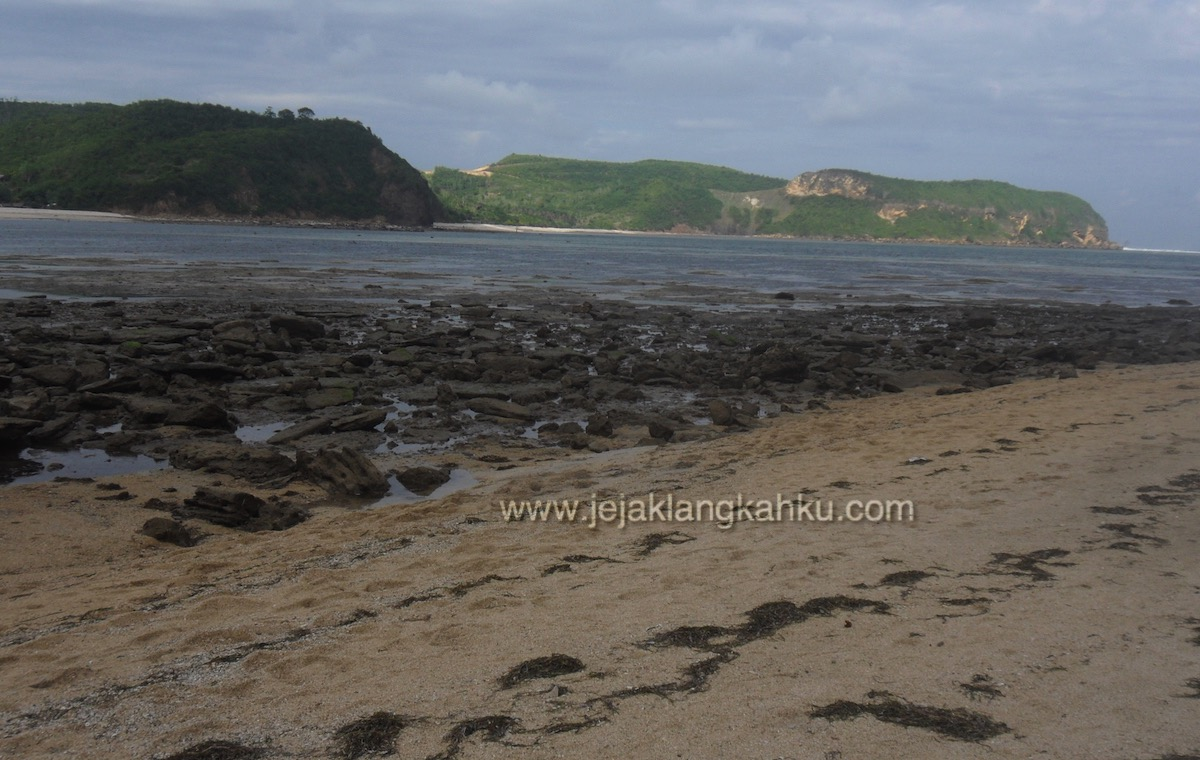 batu payung lombok 1