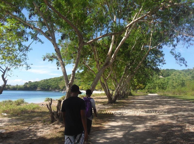 pantai pink lombok 10