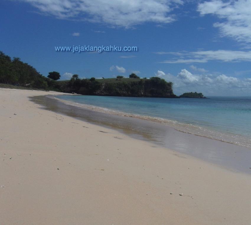 pantai pink lombok 12