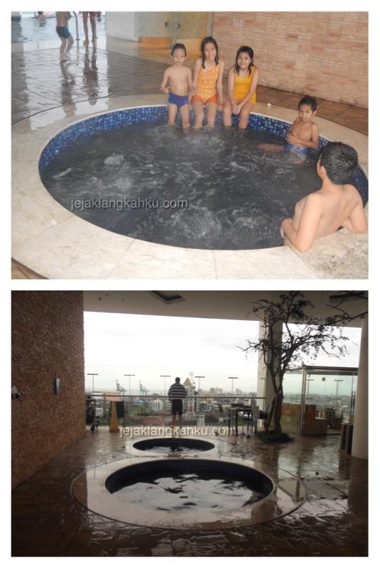 kolam renang hotel aston makassar 3
