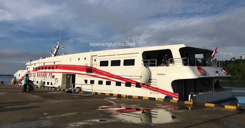 Transportasi Kapal Express dari Sorong menuju Waisai, Raja Ampat – Papua