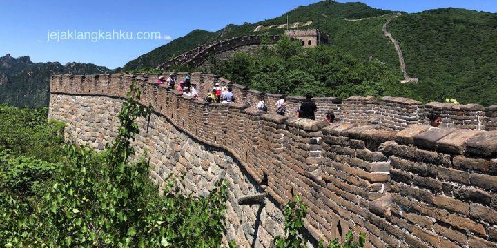 Langit Biru Cetar Membahana di atas Tembok Raksasa Cina, Mutianyu Beijing